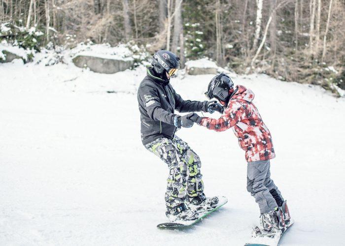 Jak powinien wyglądać pierwszy dzień małego dziecka na nartach?